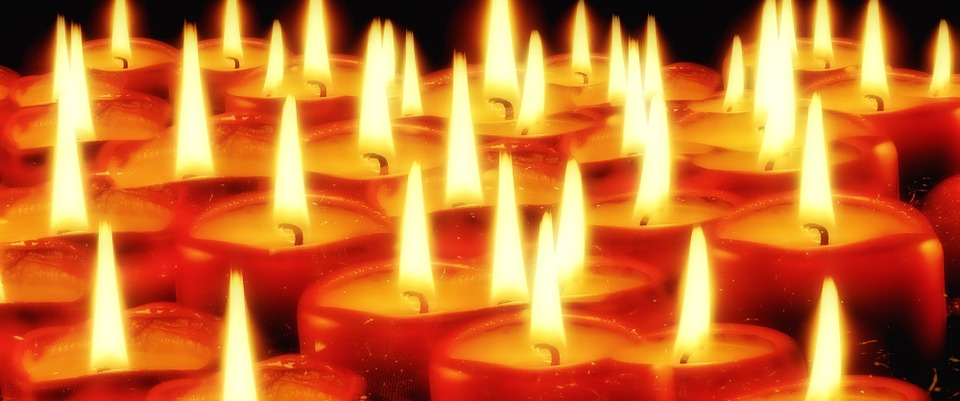 candles-936743_960_720